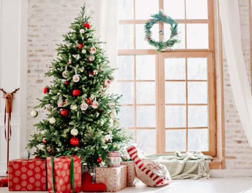 5 Tips for Decorating Your Lake Home for The Holidays